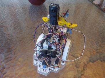 robot con cámara wifi para visión a distancia